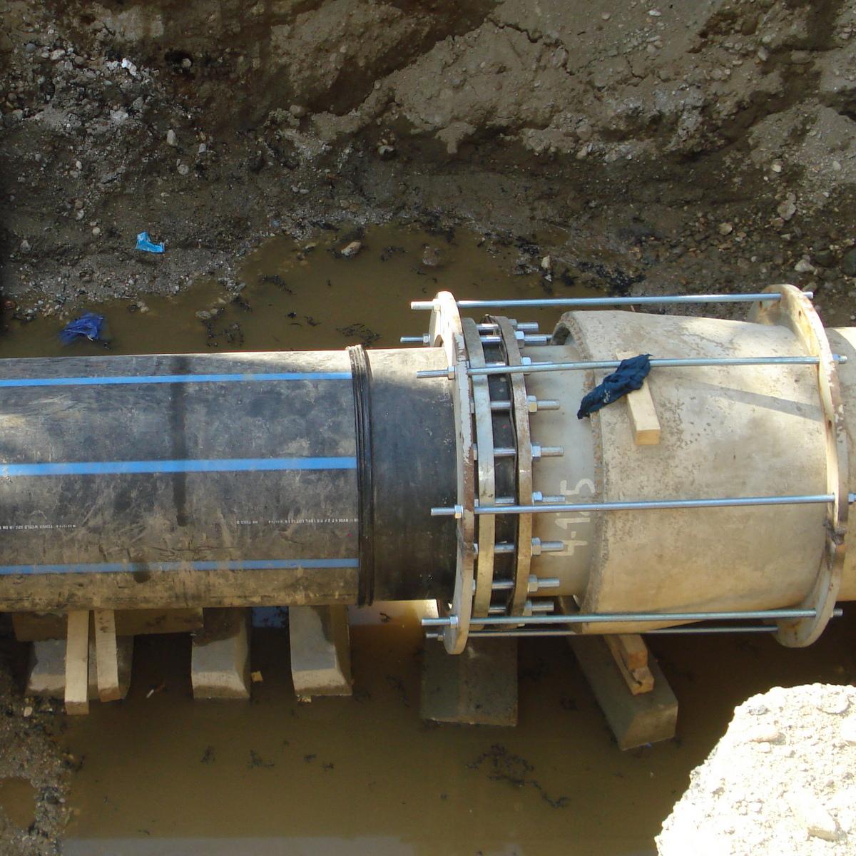Intervenție la conducta de transport apă potabilă Fontă Dn 600 în zona parcului Sandor Petofi – str. Tudor Arghezi