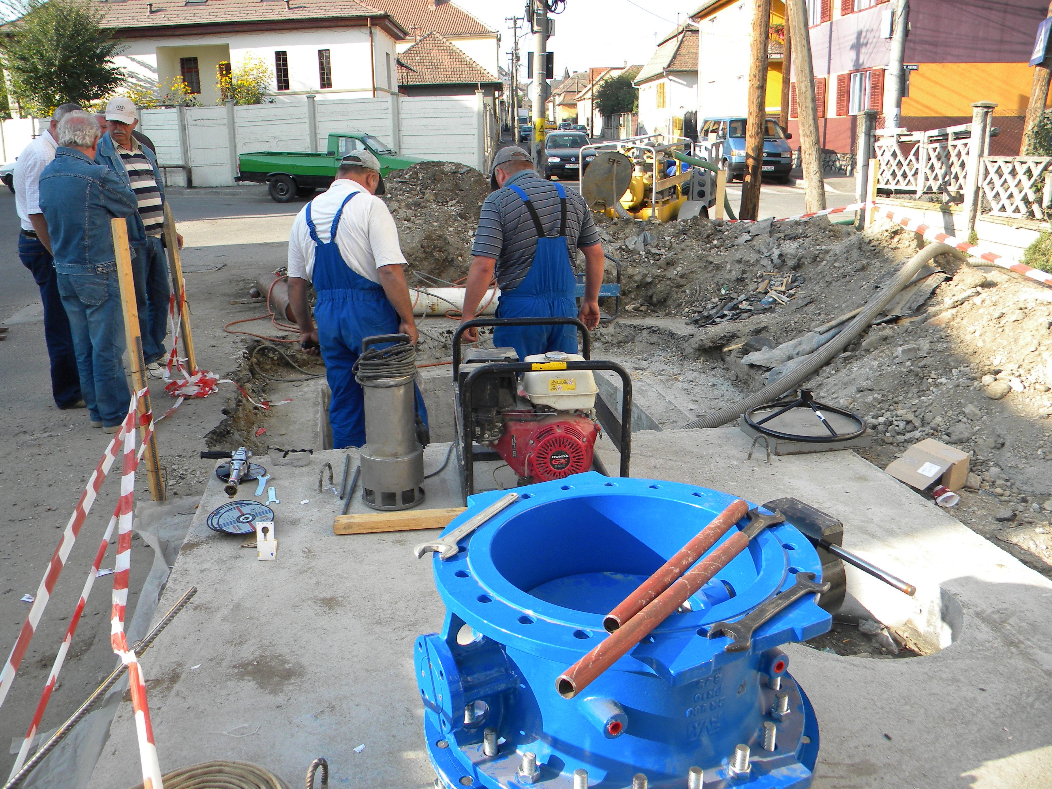 Rețea nouă de distribuție a apei pe strada Honterus